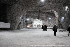 Questa è la Cattedrale di Sale all'interno della miniera, larga 20 metri, alta 8 con una lunghezza di circa 100 metri. Qui viene celebrata, il 4 dicembre di ogni anno, la messa di Santa Barbara, protettrice dei minatori