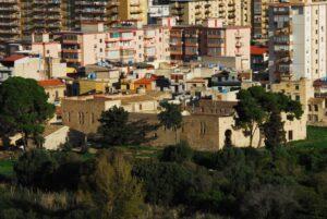 Il Castello di MareDolce dalla spianata antistante il serbatoio di San Ciro