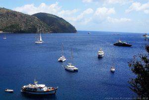 La baia di Marina Lunga nell'isola di Lipari, si intravede porto Pignataro