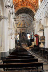 La navata centrale della Cattedrale di San Bartolomeo sulla Rocca del Castello di Lipari