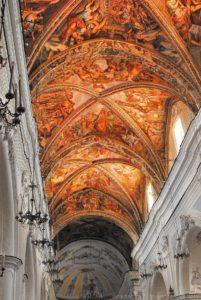 Gli affreschi del soffitto a crociera della Cattedrale di San Bartolomeo sulla Rocca del Castello di Lipari