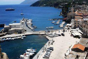Marina Corta e la chiesa di San Bartolomeo Extra Moenia