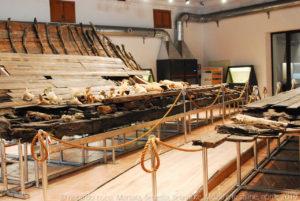 """Il nuovo allestimento della """"Nave di Marausa"""" al museo archeologico Baglio Anselmi di Marsala voluto dal prof. Sebastiano Tusa."""