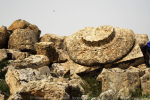 """Ruderi del """"tempio G"""", il più grande di Selinunte e uno dei maggiori del mondo greco."""