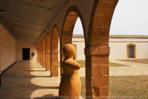 Il cortile dell'antiquarium del museo del Baglio Florio nel parco archeologico di Selinunte.