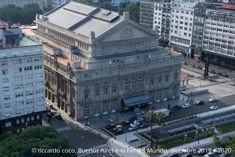 Il Teatro Colón di Buenos Aires è uno dei teatri lirici più grandi del mondo dalla terrazza dell'Hotel Panamericano.