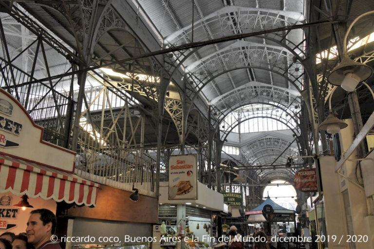 Il mercato di San Telmo (in spagnolo: Mercado de San Telmo) è un mercato coperto di Buenos Aires.