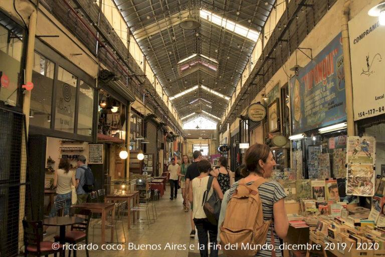 Anche libri e fumetti usati al mercato di San Telmo.