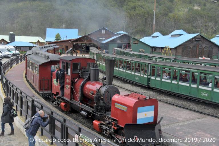 """La locomotiva """"Zubieta"""" insieme a """"Camile"""", """"Rodrigo"""", """"Porta"""" e """"Fuego"""" sono le locomotive attualmente in servizio."""