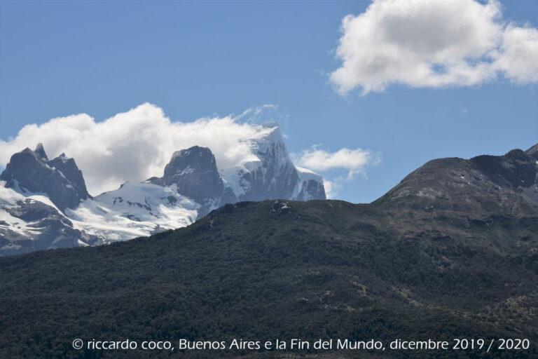 Ancora il Monte Buckland tra le nuvole.