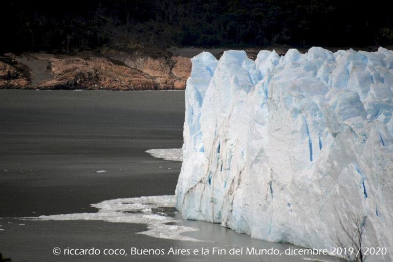 """Il fronte del Ghiacciaio Perito Moreno dal punto di vista sulla """"Penisola de Magallanes"""""""