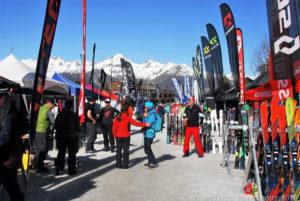 Appuntamento a Pila per il SIGB Snow Test dal 25 febbraio al 1 marzo 2019. Il SIGB Snow Test è un'iniziativa di grande successo, unica nel suo genere, creata per rispondere alla domanda di fornitori, rivenditori e media specializzati del Regno Unito, di trovarsi tutti in una singola località per mettere alla prova gli sci della prossima stagione invernale. Nel 2019 il test includerà snowboard oltre agli sci.
