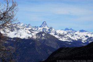 Sullo sfondo il Monte Cervino, da Pila