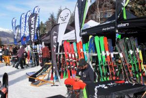"""Al SIGB Snow Test presente il marchio """"ELAN"""" lo stesso che produce le barche a vela come WIND BLUE, ma pochi sanno che hanno iniziato producendo attrezzatura sportiva invernale, sci e snowboard !!!"""