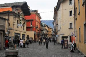 La via Edouard Aubert, nel centro di Aosta