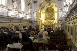 Il tema delle decorazioni dell'oratorio è incentrato sulla storia di Santa Caterina d'Alessandria protettrice dei dotti, infatti le statue sulle due pareti simboleggiano le scienze. Tutti gli stucchi sono disposti con ordine e studiata simmetria.